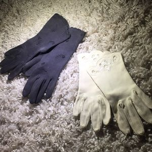 Set of 2 vintage gloves from 50s